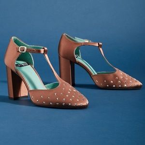 ❤️Anthropologie LAB Studded T-Strap Pumps❤️